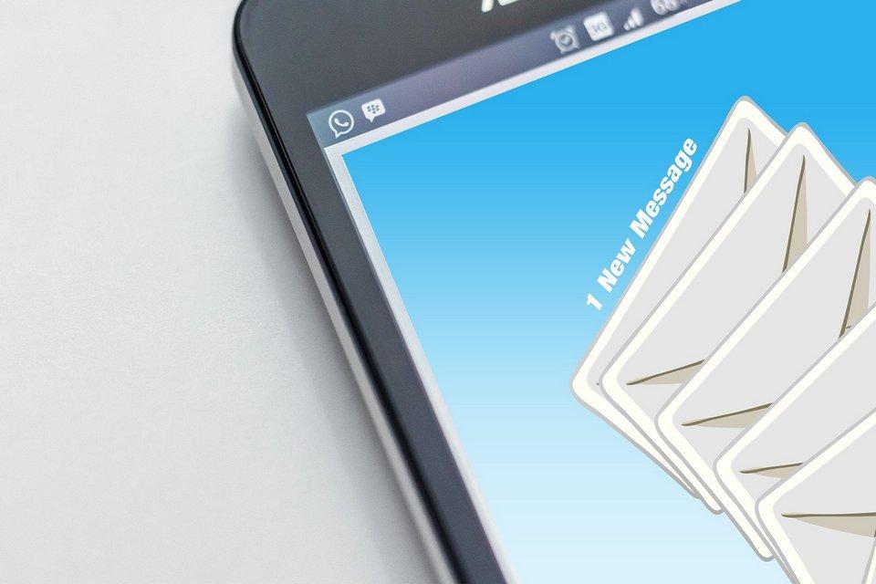 szerokość email
